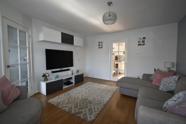 Lounge of Poplar Close, Warmley, Bristol BS30