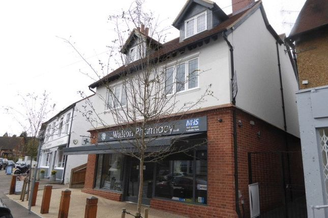 Thumbnail Flat to rent in Walton Street, Walton On The Hill, Tadworth
