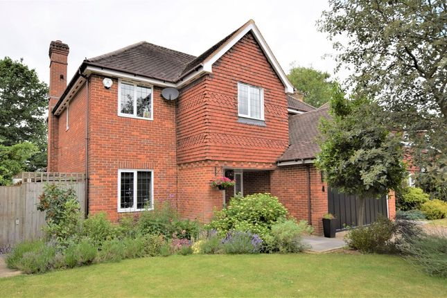 Thumbnail Detached house for sale in Cotswold Close, Hinchley Wood