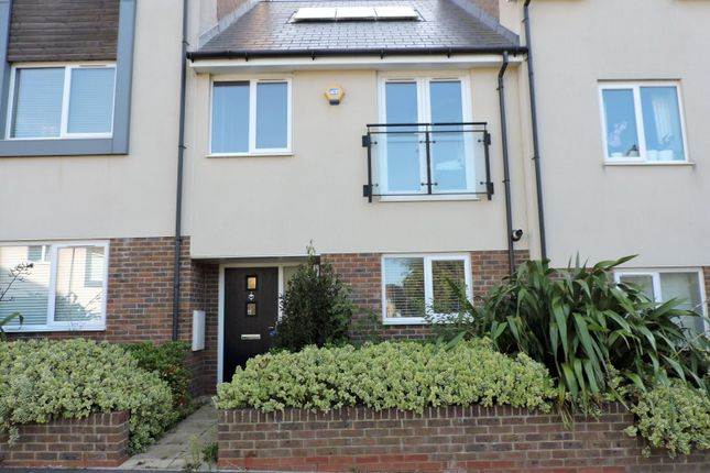 Thumbnail Terraced house to rent in Southlands Way, Shoreham-By-Sea