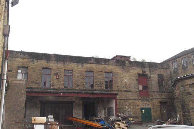 Industrial to let in Beckside Lane, Bradford