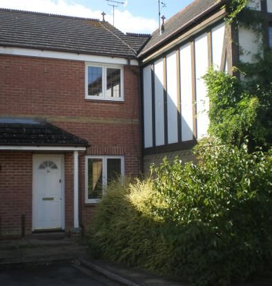 2 bed terraced house to rent in South Motto, Ashford, Kent