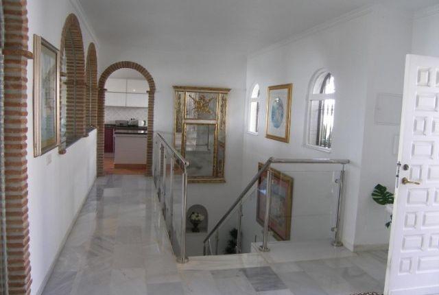 2.Hall Entrance of Spain, Málaga, Benalmádena, La Capellanía