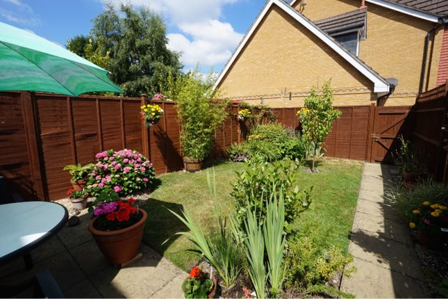 3 bed end terrace house for sale in Victoria Gardens, Farnborough ...