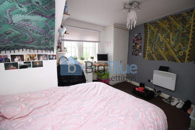 Thumbnail Terraced house to rent in 40 Ebberston Terrace, Hyde Park, Ten Bed, Leeds