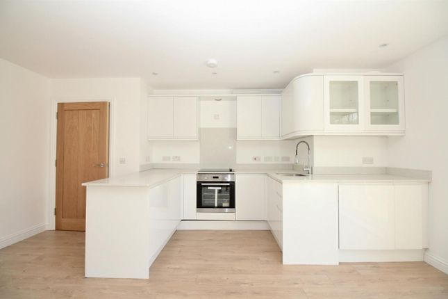 Thumbnail Flat to rent in Station Approach South, Welling