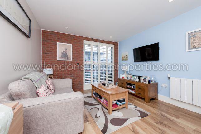 Living Area of Major Draper Street, London SE18