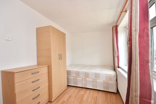 Room to rent in Brooks Road, Plaistow