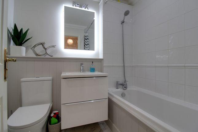 Bathroom of Spinnaker Mews, Warsash, Southampton SO31