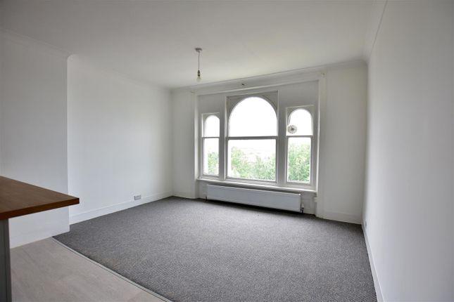 Living Room of Overcliffe, Northfleet, Gravesend DA11