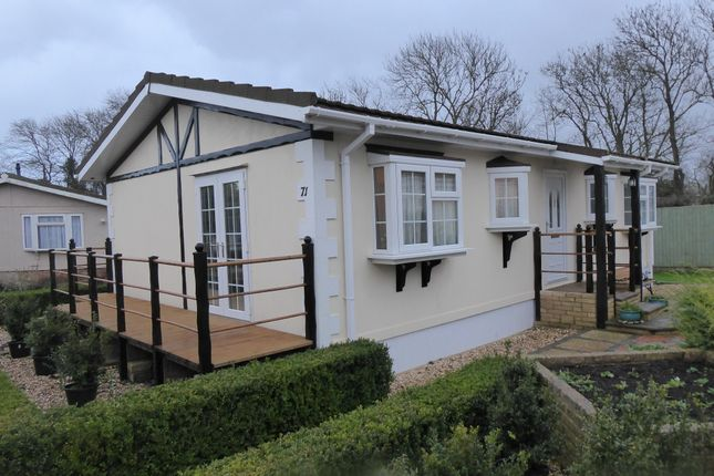 Thumbnail Mobile/park home for sale in Greenacres Park, Meysey Hampton, Cirencester, Gloucestershire