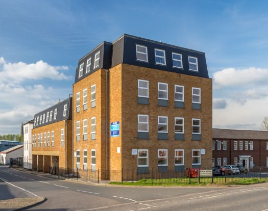 Thumbnail Flat to rent in Enterprise Way