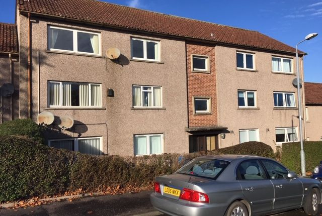 Thumbnail Flat to rent in Springfield Drive, Barrhead, Glasgow