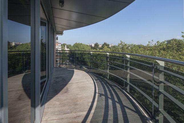 Terrace of The Atrium, 127-131 Park Road, St John's Wood NW8