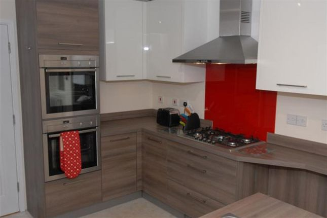 Thumbnail Property to rent in Straight Road, Colchester