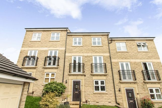 Thumbnail Town house for sale in Mill Beck Close, Farsley, Pudsey