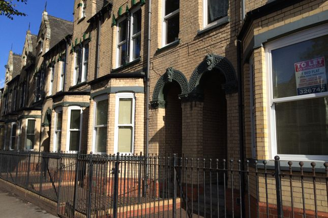 Flat to rent in Beverley Road, Hull