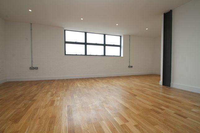 Thumbnail Flat to rent in Princess Parade, Crofton Road, Farnborough, Orpington