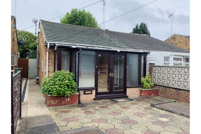 Thumbnail Bungalow for sale in Croft View, Hull