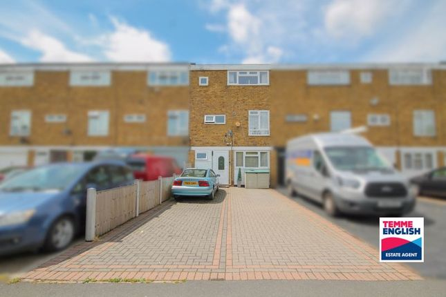 6 bed terraced house for sale in Little Lullaway, Laindon, Basildon SS15