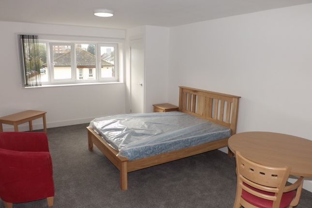 Thumbnail Flat to rent in Lake Road, Portsmouth