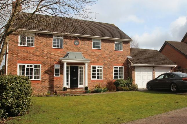 Thumbnail Detached house for sale in Fuller Close, Wadhurst