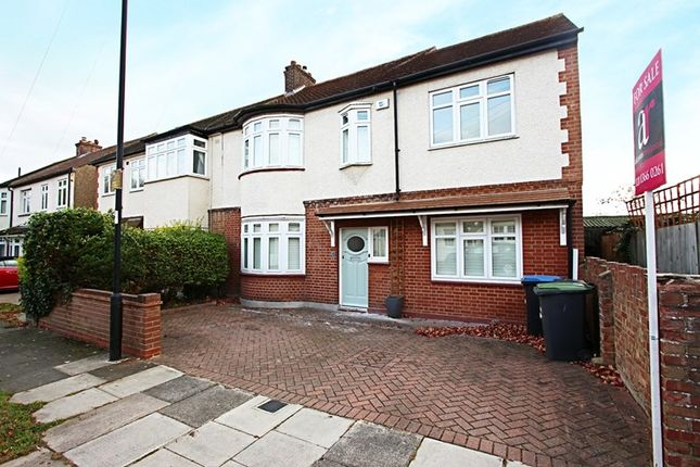 Thumbnail Property for sale in Woodbine Grove, Enfield
