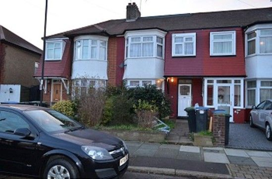 Thumbnail Property to rent in Kendal Avenue, London