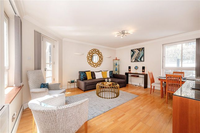 1 bed flat for sale in Clarges Mews, Mayfair W1J