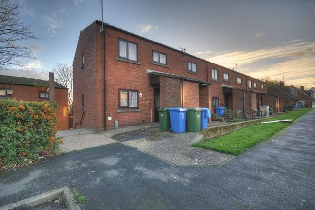 Thumbnail Flat to rent in Runswick Avenue, Whitby