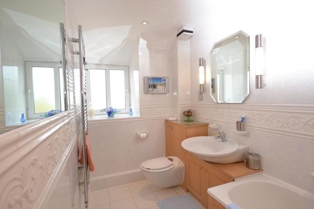 Bathroom of Palm Court, 8 Coastguard Road, Budleigh Salterton, Devon EX9