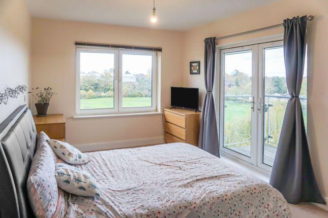 Thumbnail Flat for sale in Kempton Drive, Warwick