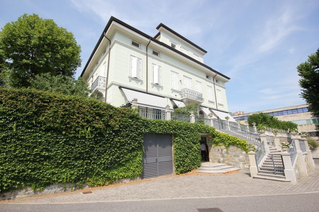 Thumbnail Apartment for sale in Viale Miramare, Trieste, Friuli Venezia Giulia