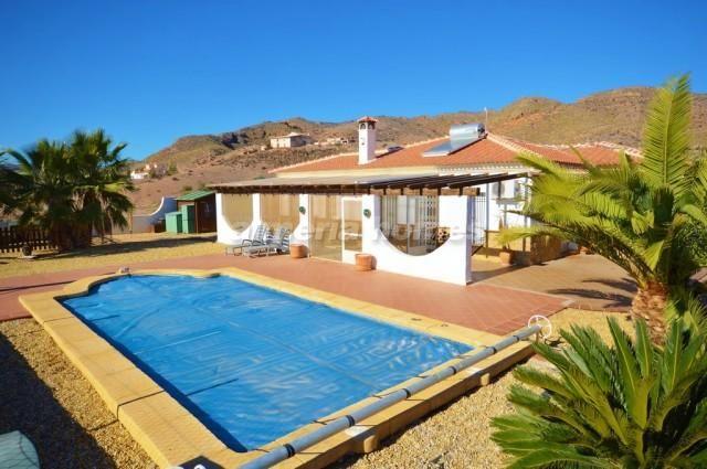 3 bed villa for sale in Villa Cabrera, Zurgena, Almeria