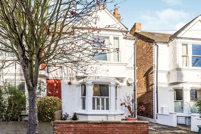 Thumbnail Flat for sale in Graham Road, Chiswick, London