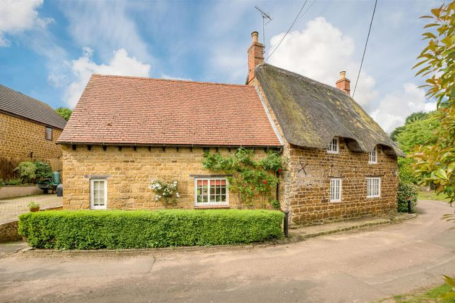 Thumbnail Property for sale in Manor Road, Grimscote, Towcester