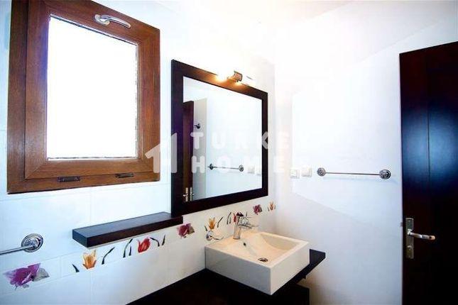 Sea View Villa - Gumusluk, Bodrum - Modern Family Bathroom