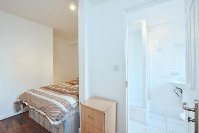 2 bed flat for sale in Kendall Street, London