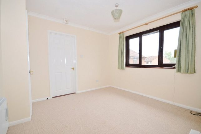 Living Room of Alderfield Close, Theale, Reading, Berkshire RG7