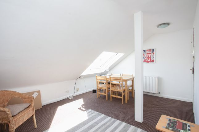Thumbnail Flat to rent in Cathles Road, Clapham South