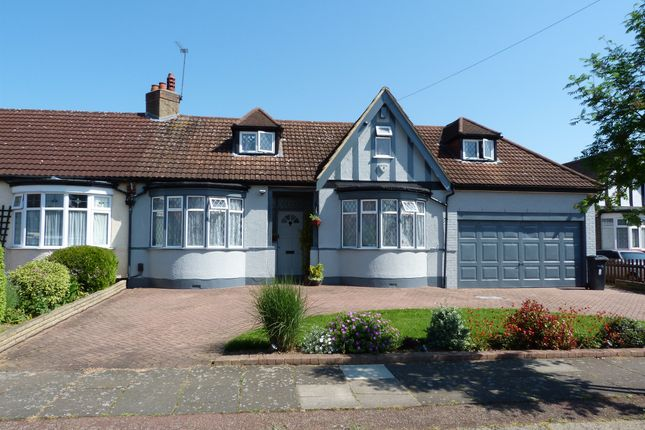 Thumbnail Detached bungalow for sale in Manorway, Bush Hill Park, Enfield