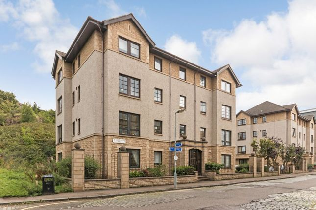 Thumbnail Flat for sale in 1/6 St Leonards Hill, Edinburgh