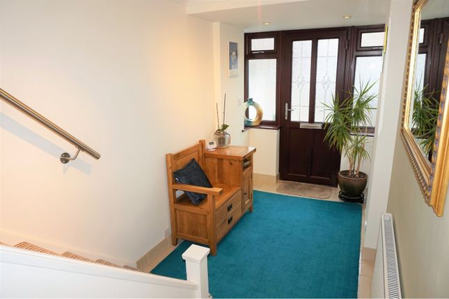 Entrance Hall of Olympic Close, Glenfield LE3
