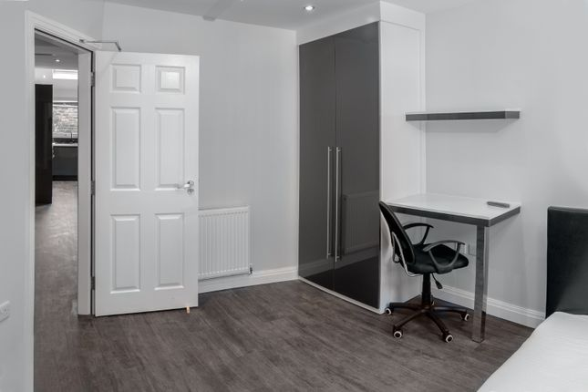 Thumbnail Flat to rent in Spa Road, Preston, Lancashire