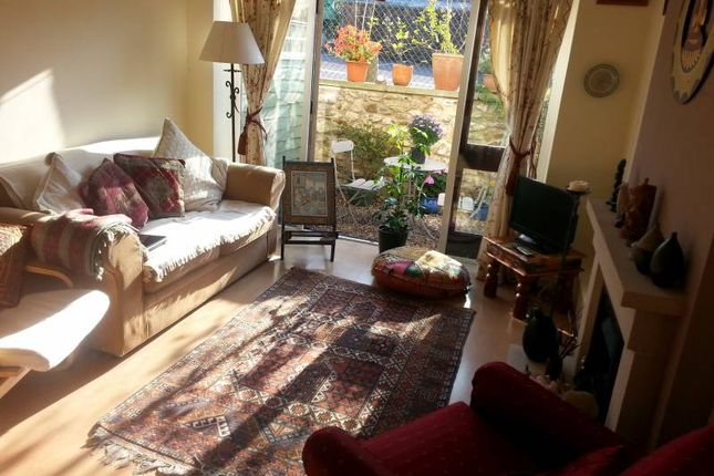Thumbnail Cottage to rent in Old School Court, Honiton, Devon