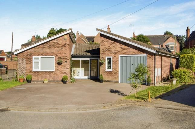 Thumbnail Bungalow for sale in Eastmoor Drive, Carlton, Nottingham, Nottinghamshire