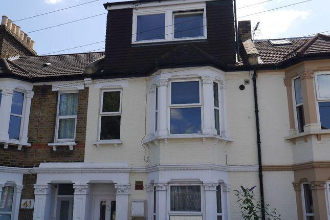 Thumbnail Flat for sale in Ravenscroft Road, Beckenham