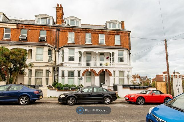 2 bed flat to rent in Surrey Road, Margate CT9