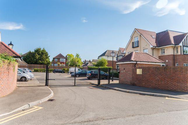 Flat for sale in Tilton Court, Fairfield Road, Uxbridge, Middlesex