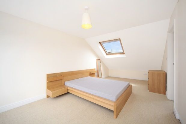 Thumbnail Maisonette to rent in St. Albans Avenue, London